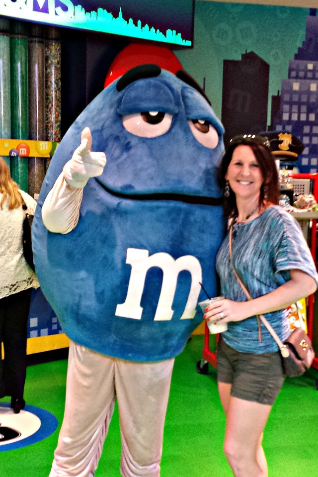 5-10-2015 - Pam at M&M World